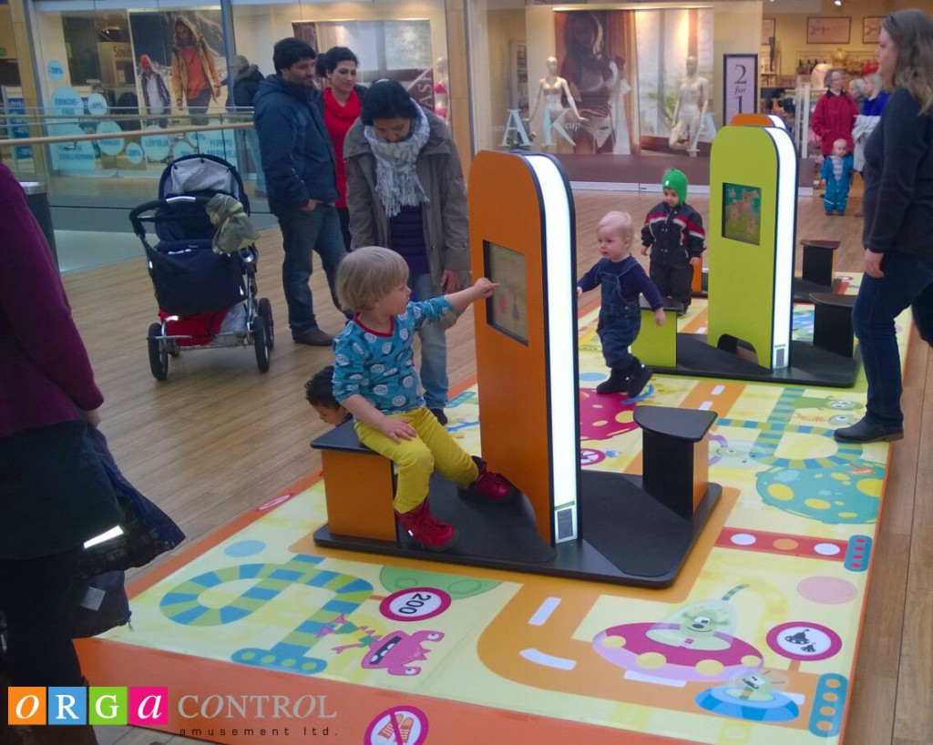 MyKidsCorner als Spielecke im Shoppingcenter