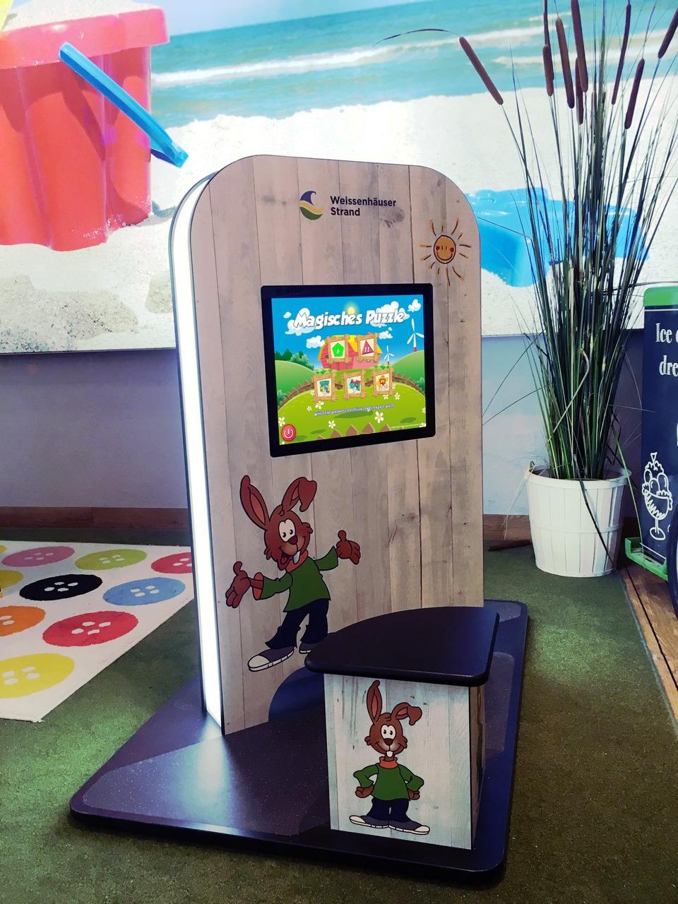 MyKidsCorner Deluxe 2 x Touchscreen customized for Weissenhäuser Strand