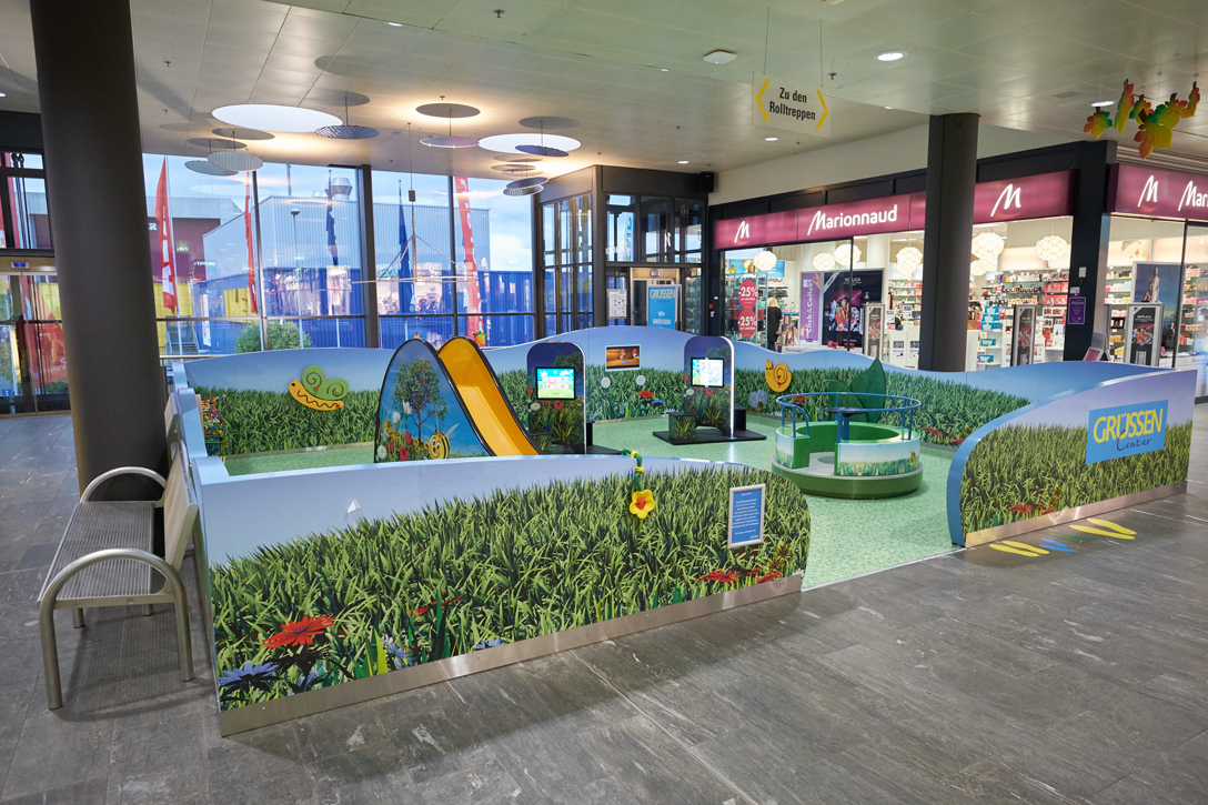Instore Kids Corner with 2 x play kiosk MyKidsCorner @Grüssen Center Switzerland