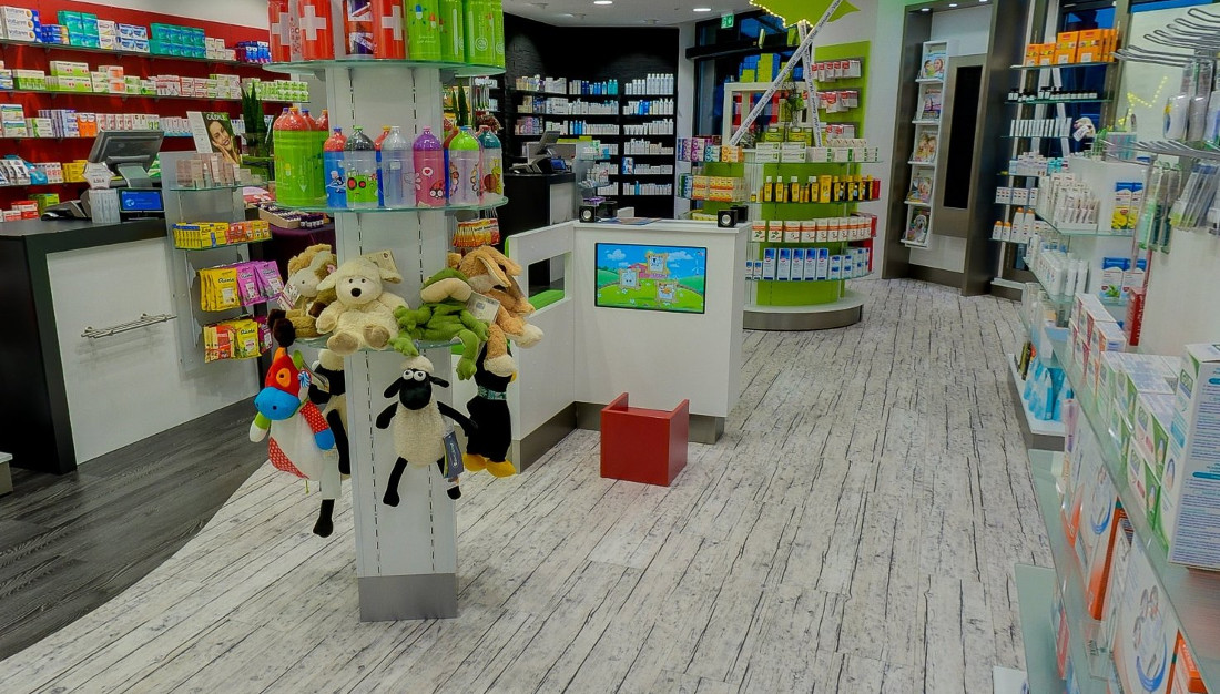 touch screen build-in kit for indoor playground at pharmacy